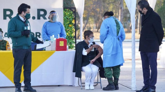 ¿Qué países ya iniciaron la aplicación de la vacuna contra Covid-19?